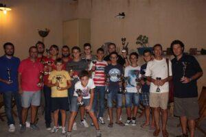 Foto di gruppo di tutti i premiati con Luca al centro