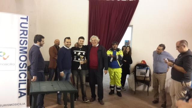 Michel Bifulco premiato da Francesco Cardinale e Alessandro Monaco